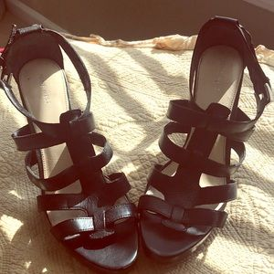 Nine West Black Strapped sandals